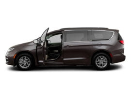 Lease 2021 Chrysler Pacifica Gallery 0
